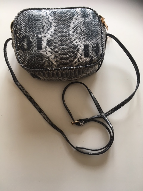 leopard-skin-shoulder-bag